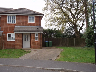 3 bed Southampton wants 2/3 bed within 25 miles Yarm  photo